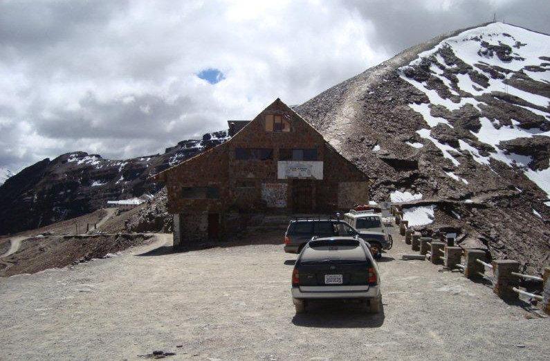 A perui Chivay-Arequipa csúcs vagy a Limától keletre található a Ticlio-hágó (4,818 m) a legmagasabb a dél-amerikai kontinensen...