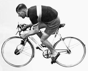 A Raleigh gépen négyfokozatú Sturmey agyváltó működött - 1939-ben ennél korszerűbb versenykerékpár nemigen volt...