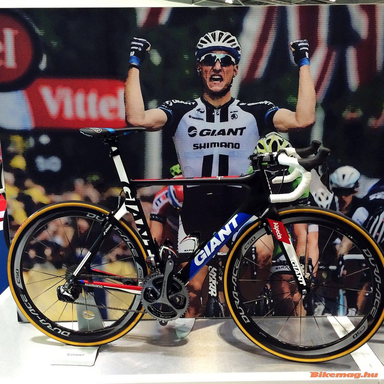 Mégy egy team-bike, Marcell Kittel és a Giant-Alpecin Team Giant Propelje.