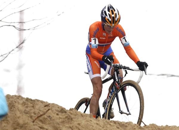 Cyclocrossban évek óta egyeduralkodó, 6 vb-címmel