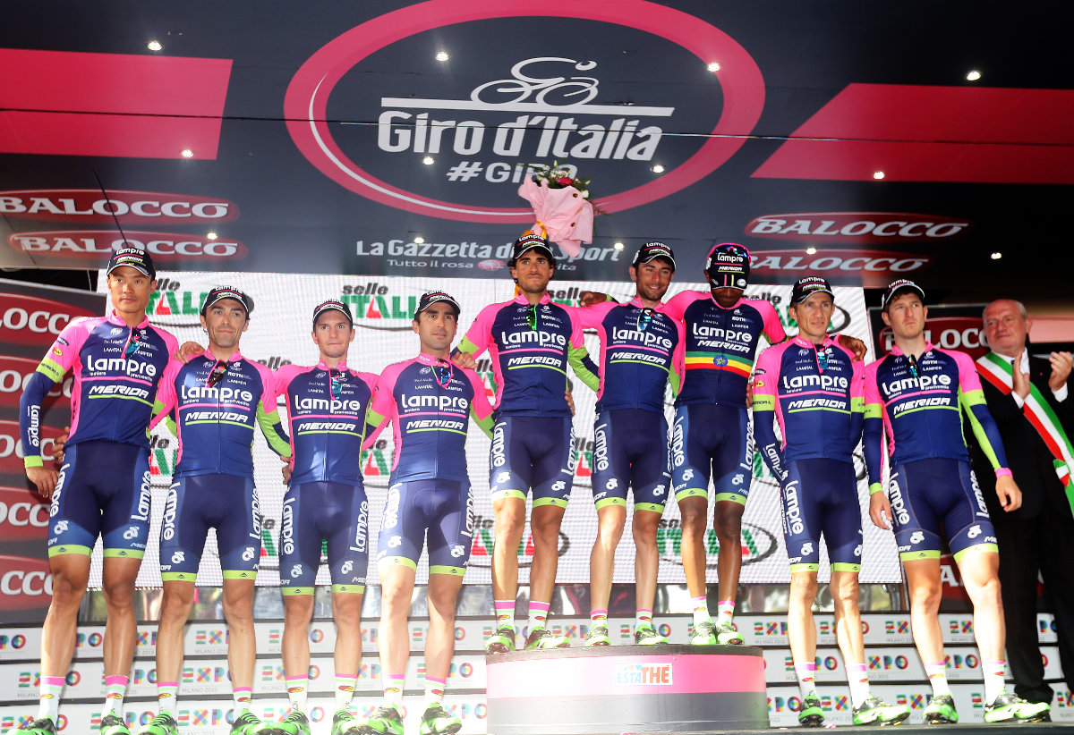 """A 2015-ös Giro d'Italia-n négy győzelemig sikerült menetelni: a """"fukszia-mezesek"""" az Astana Team mögött a második legeredményesebb csapat! (Giro d'Italia 2015 - foto Ilario Biondi/BettiniPhoto©2015)"""