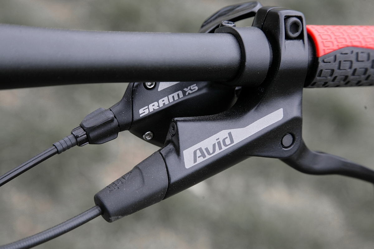SRAM X5 szintű felszereltség