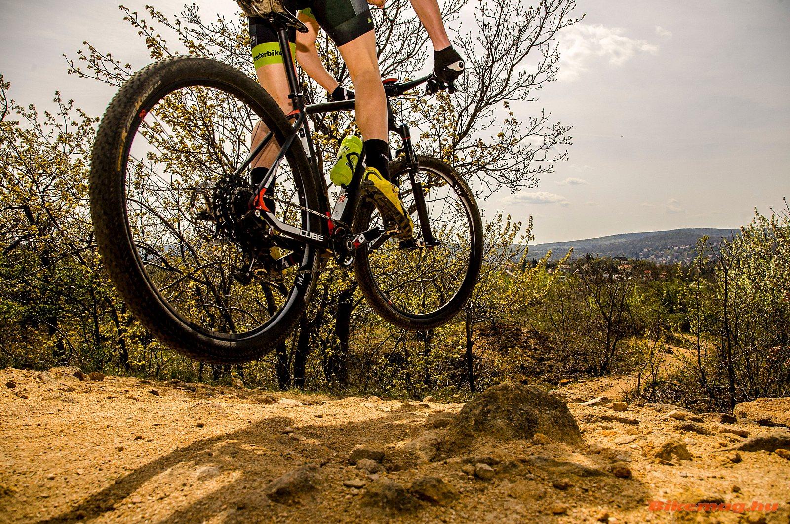 mountain_bike_kerekpar_01