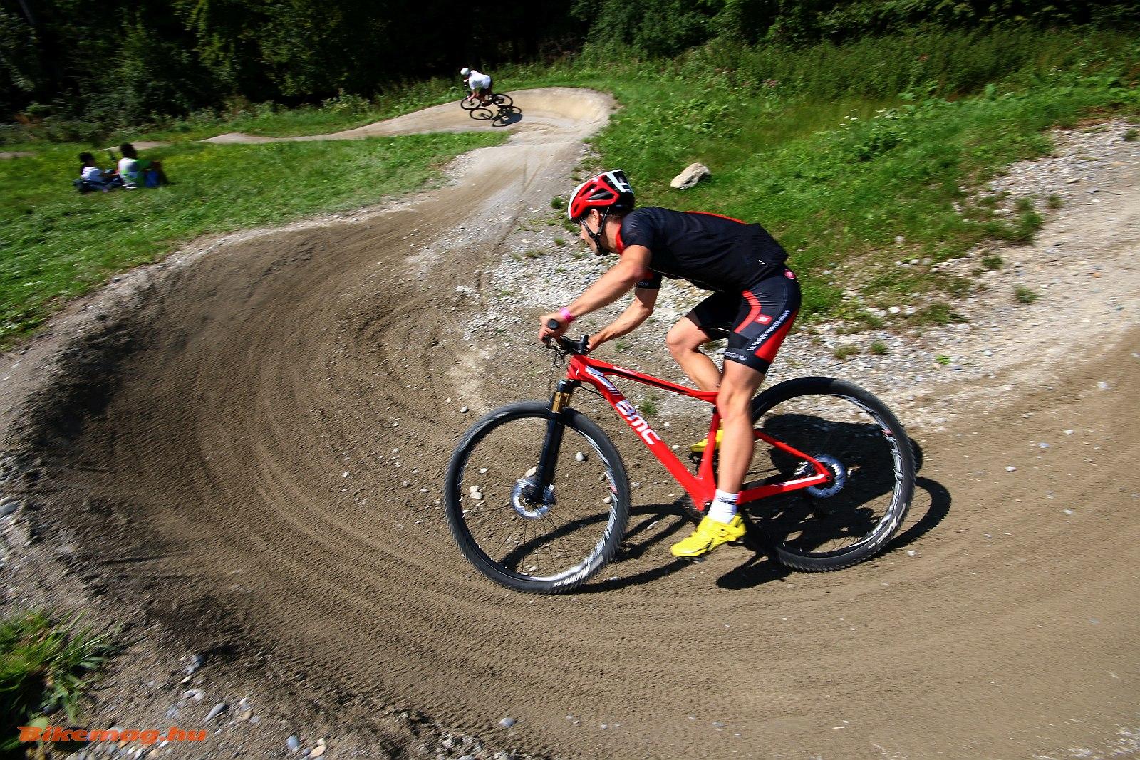 mountain_bike_kerekpar_27