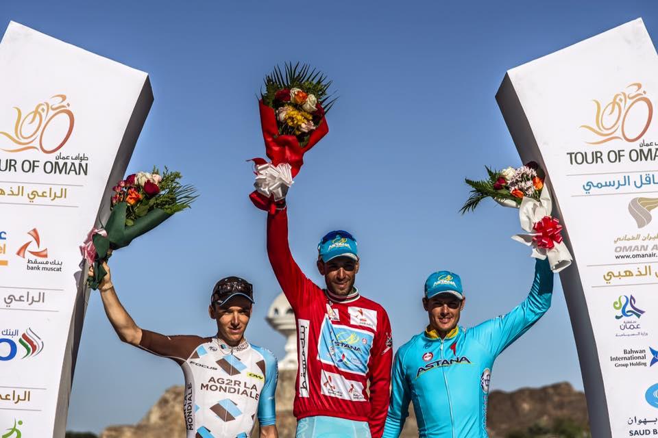 A dobogó (balról) Romain Bardet (Ag2R), Vincenzo Nibali és Jacob Fuglsang (mindkettő Astana)