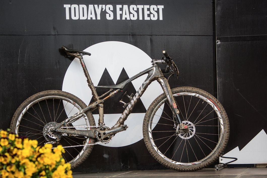 És a nap leggyorsabb bringája! Specialized Epic S-Works