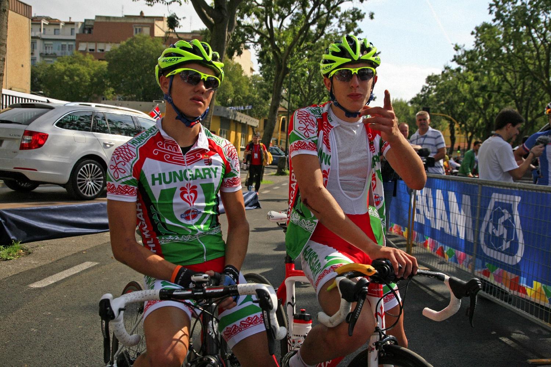 Móricz Dani és Rózsa Balázs az utolsó körre kifutva még fent volt az eredményjelző táblán, de a zsűri mégis kiszólította őket végül