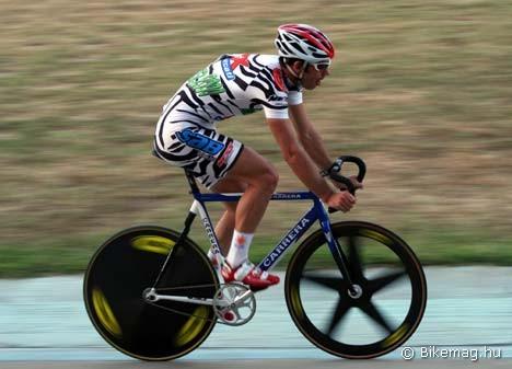 Ivanics Gergely, az 1000 és 4000 méteres állórajtos időfutam, valamint a scratch és pontverseny 2009-es bajnoka