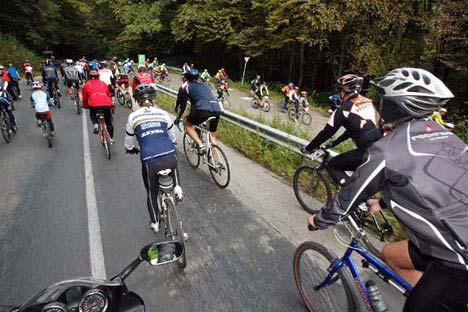 Túrázók és versenyzők szállták meg 2008. szeptember 27-én a Pilist