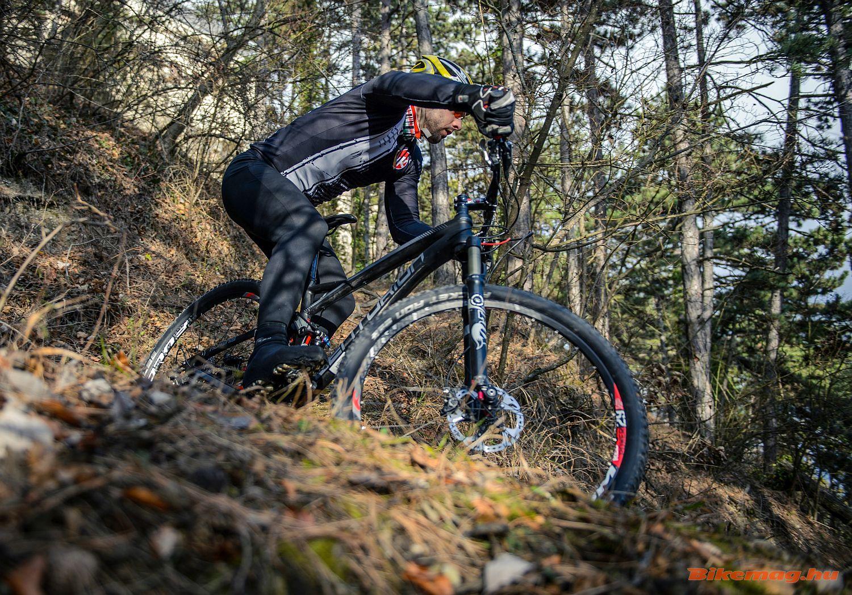 Azért egy Centurion mountain bike-ot is megjárattunk