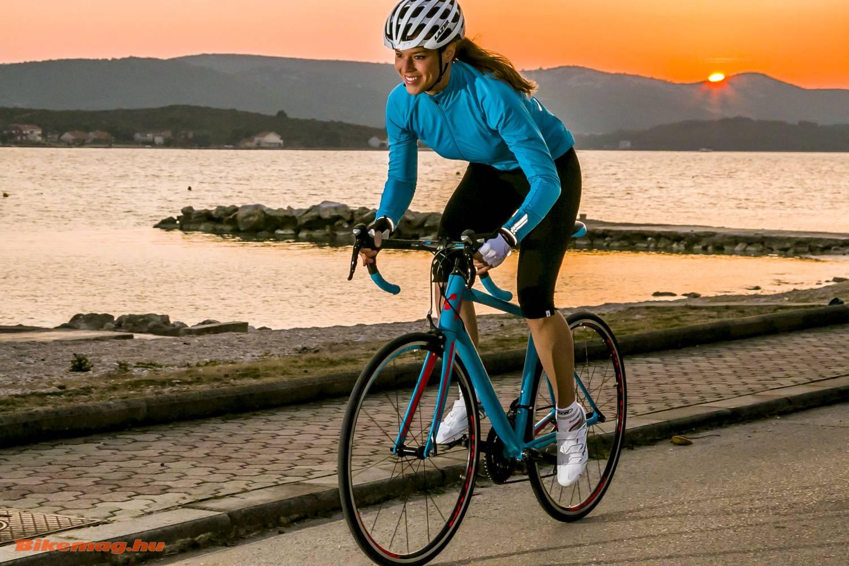 A hölgyek pár éve már választhatnak kimondott női kerékpárt, mint például az általunk is tesztelt Cube Axial WLS-t