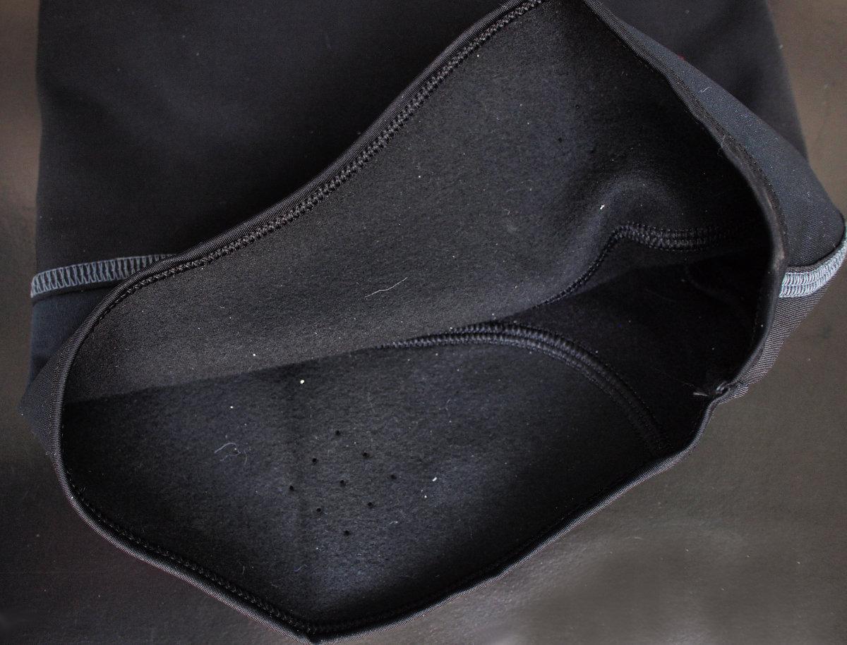 A Soft Pile technikai szövet nedvességelvezető tulajdonsággal is rendelkezik...