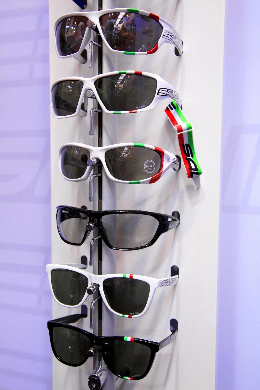 Teljes keretes Salice szemüvegek különböző lencsékkel