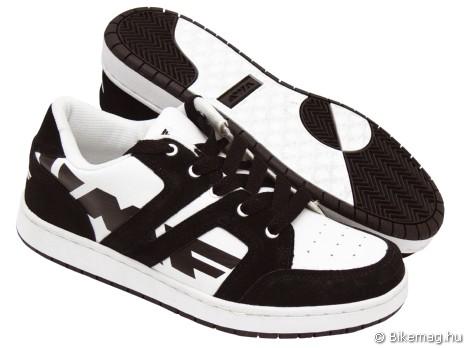 UMF Team cipő