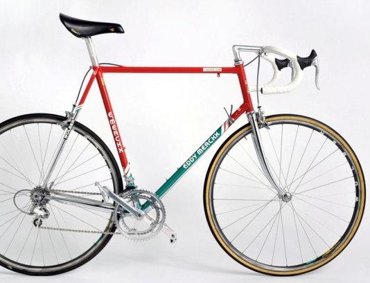 Ez már Hampsten Motoralás 7400-zel szerelt bicaja a köcetkező évből: Armstrong is ilyennel ment első profi évében!