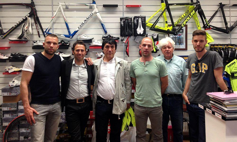 Gibo hamar barátokra lelt Budapesten az olasz bringákkal foglalkozó exversenyző Bikeexpresszes srácokkal