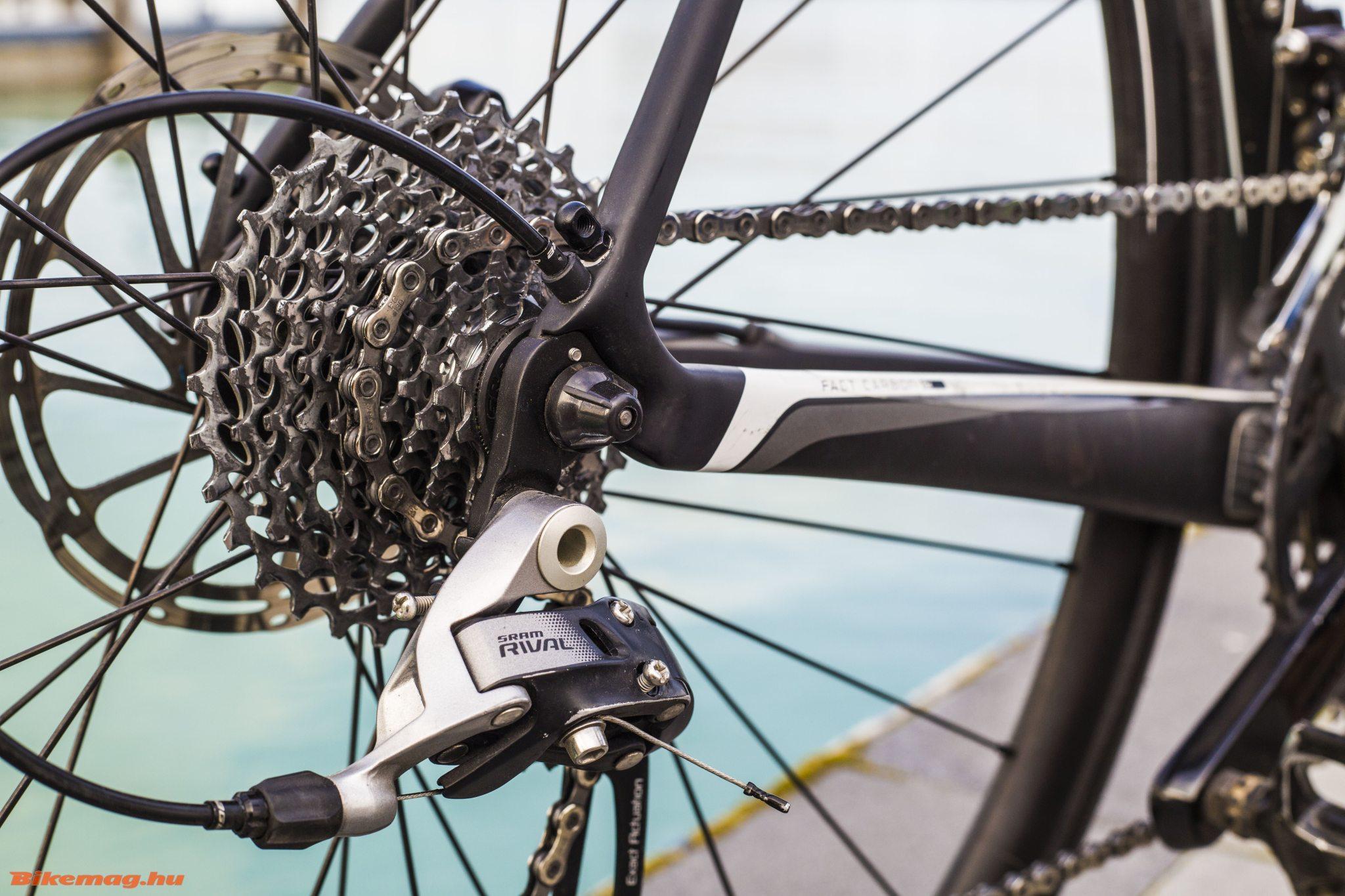 Specialized Roubaix SL4 Elite Disc - Rival hátsó váltó és széles átfogású sor