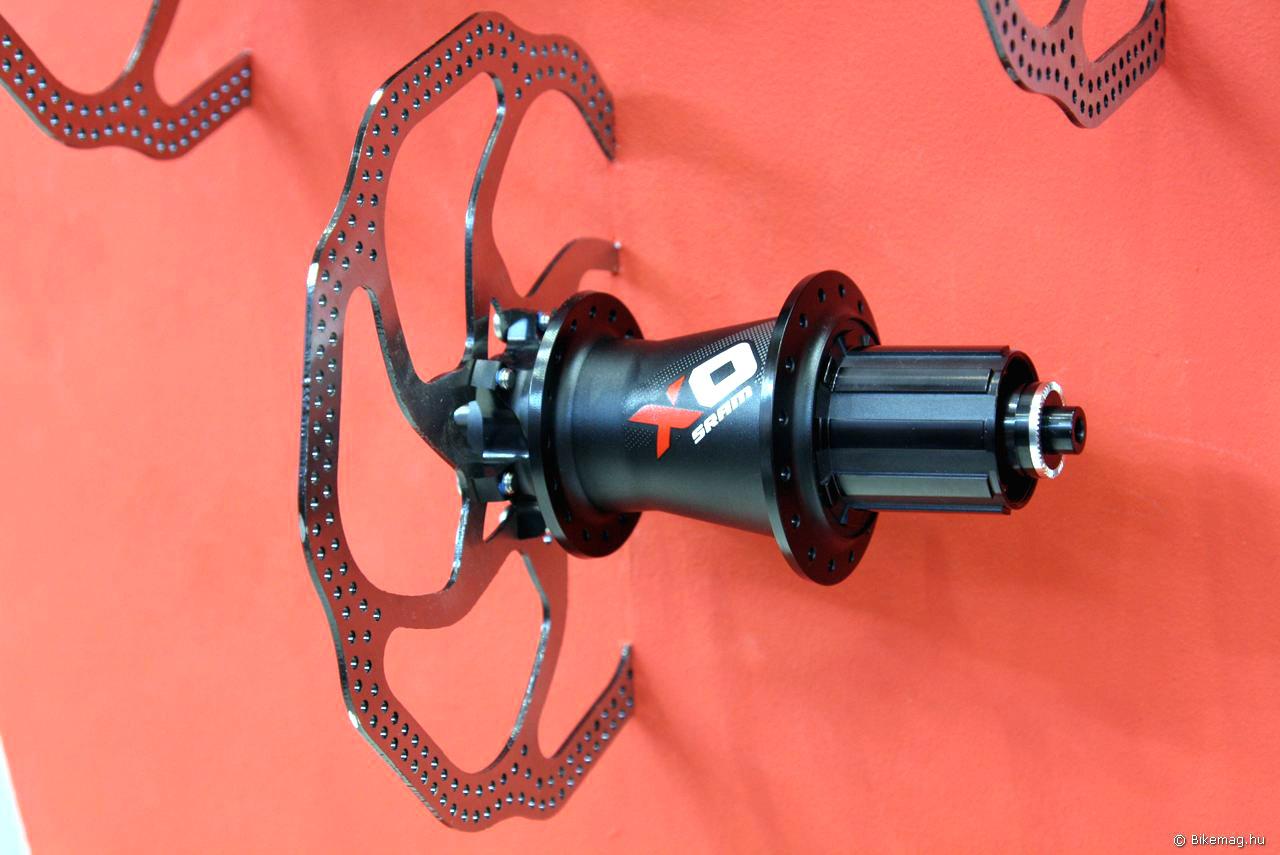 SRAM X01 hátsó agy - méltó a nagy nevű szetthez