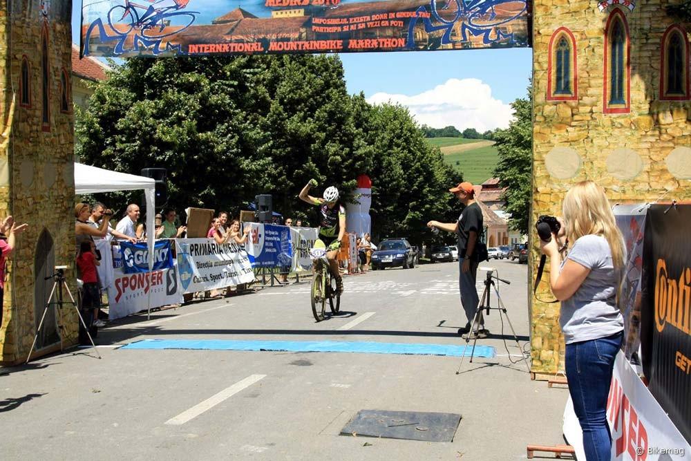 Jól indult a túra! Lukács Bálint megnyerte a Meggyes Maraton rövidtávját és román tévésztár lett