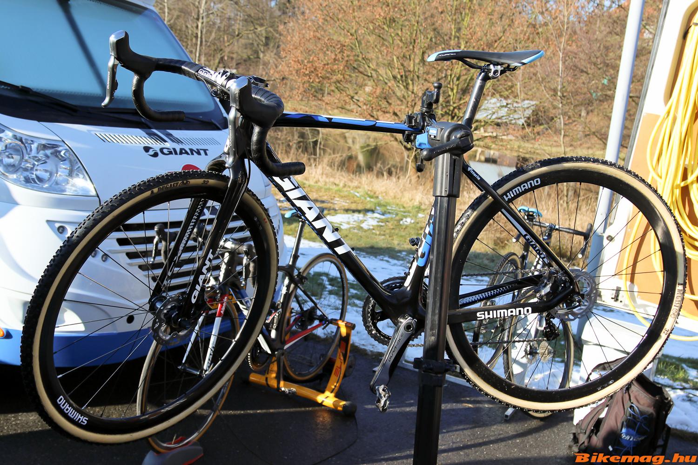 Lars van der Haar kerékpárja az állványon