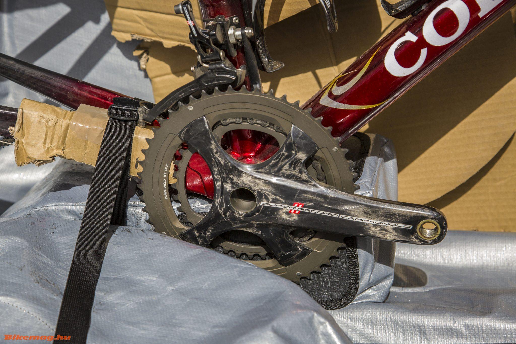 Így rögzíthetjük a bringát a középrész mögött