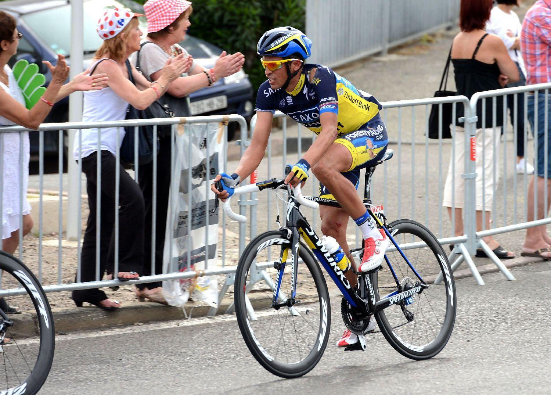 Alberto Contador szakadt ruhában érkezett időhátránnyal, de szerencséjére a szervezők azonos idővel írtak be mindenkit az eredménylistára. A spanyol GT-menő csak felületi sérüléseket szenvedett, bal vállát és jobb térdét ütötte meg, és az időfutam miatt aggódik, mert a sérülések megnehezítik a kronógépen elfoglalt pozíció felvételét.