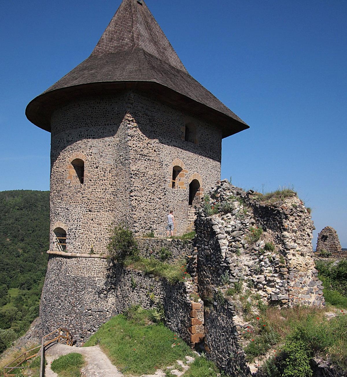 Somoskő vára is mindössze 4 km-re van a Vendégháztól...
