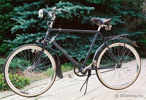 Adler 3×3 sebességes nosztalgia-kerékpár - mindennapos használatra helyreállítva