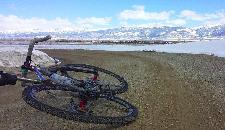 Gravel bike-kal makadám úton a világ végéig!
