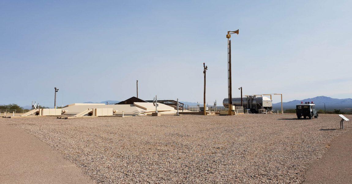 Azért nem lehetett könnyű atombiztos, de nyitható rakéta silót és irányító központot építeni